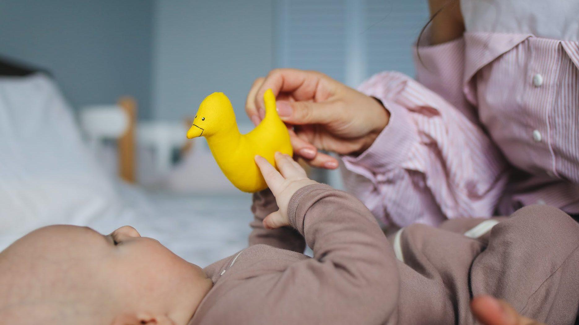 オーボールで赤ちゃんはいつから遊ぶのイメージ画像2