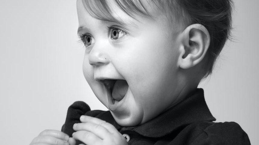 1歳児の遊び食べのイメージ画像1