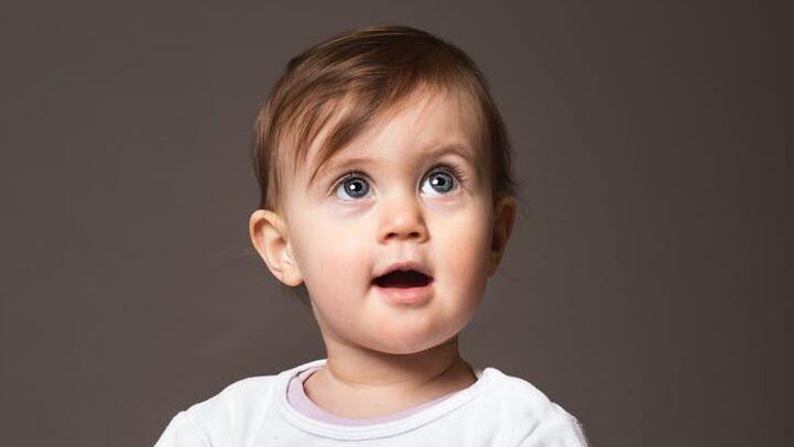 赤ちゃんが髪の毛を抜く・むしる・引っ張るのイメージ画像3
