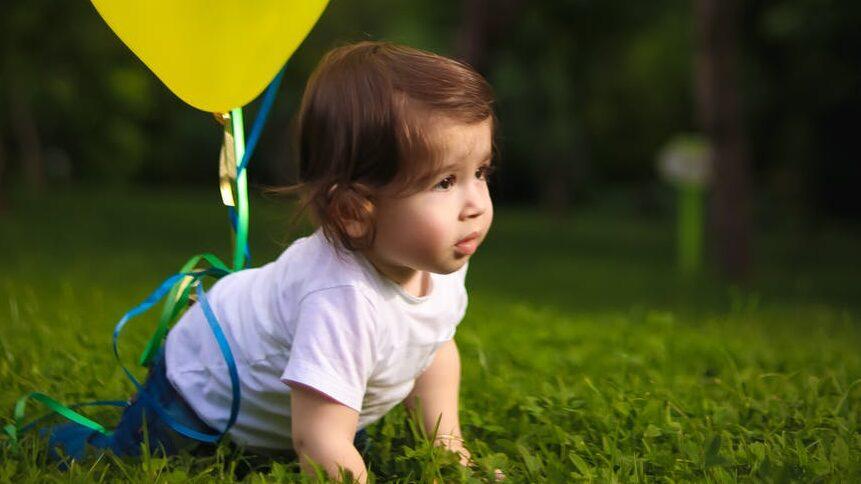 赤ちゃんが髪の毛を抜く・むしる・引っ張るのイメージ画像4