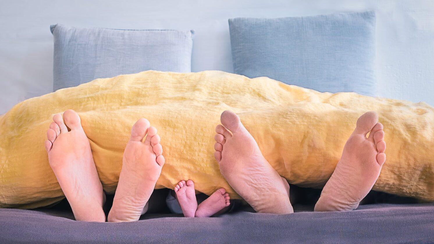 赤ちゃんの寝室って別がいい?寝室・寝床問題についてのイメージ画像2