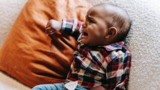 3歳の夜泣きで足をバタバタさせたりやだやだと叫んで暴れることもある?のイメージ画像1