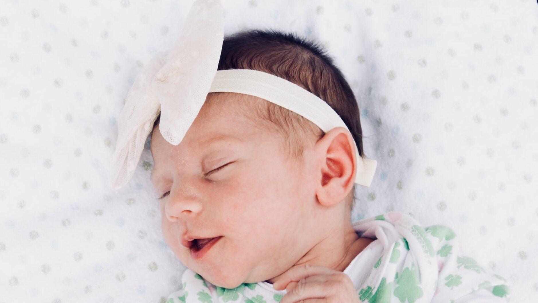 新生児のしゃっくりが毎日(ミルクや授乳後)止まらない…原因は?多い病気は?止める方法は?のイメージ画像8
