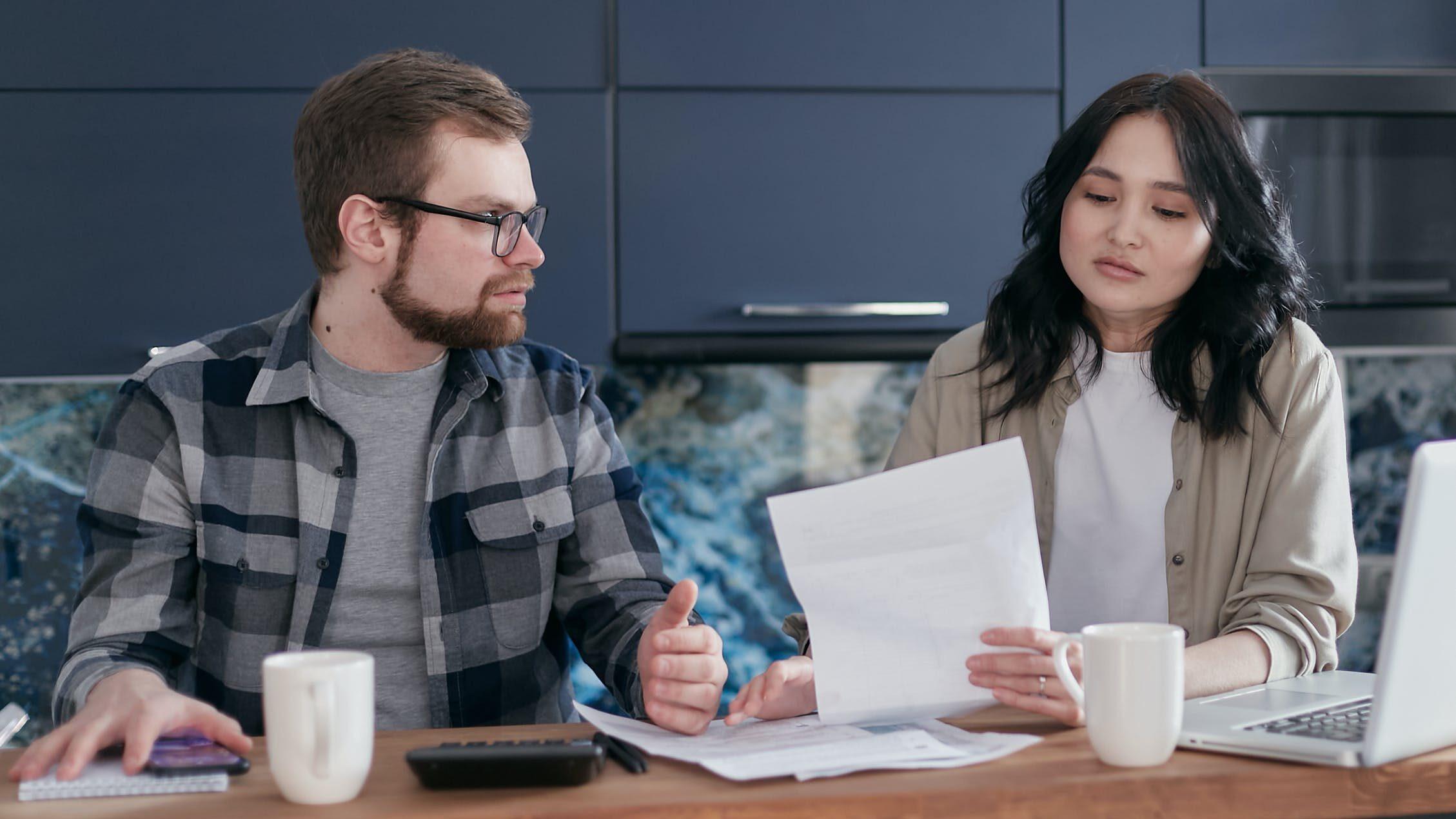 夫婦喧嘩の仲直りができない…気まずい…時の仲直りの仕方や方法は?タイミングやメールなどのイメージ画像2