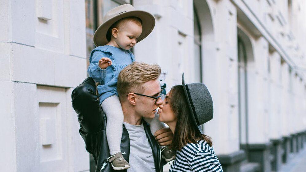幸せそうな家族が羨ましい!?のイメージ画像2