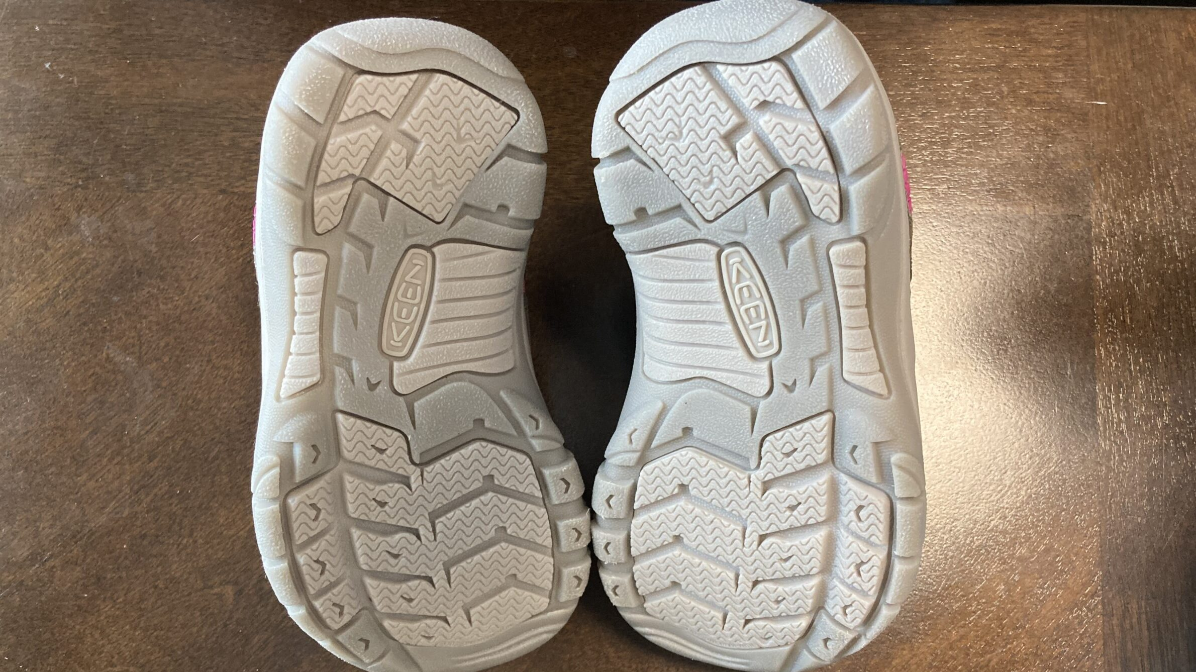 KEEN(キーン)のキッズの靴(スニーカー)ってどう?サイズ感は?防水は?など徹底調査!【ニューポートシューズのレビュー記事】のイメージ画像8